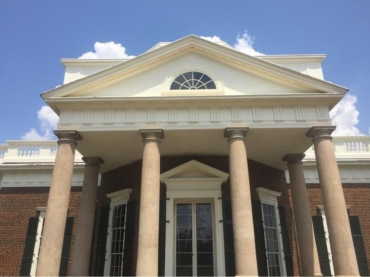 Monticello - thevanpirechronicles | ello