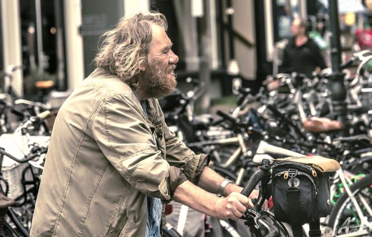 Le grand motard big cyclist - artmen | ello