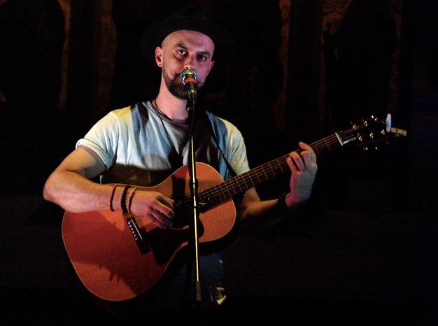 Music News: Riveting Performanc - britznbeatz | ello