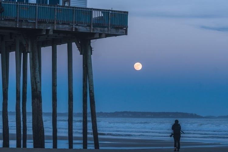 Wolf Moon Orchard Beach - rightcoastrobo   ello