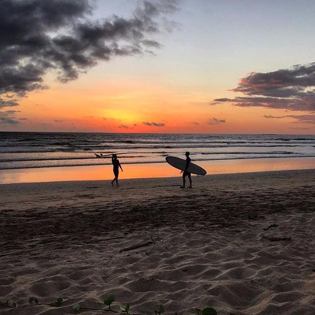 Final set sun - Playa Grande, C - grahamello | ello