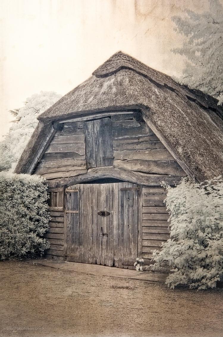 Jabba hut, infrared False colou - toni_ertl | ello
