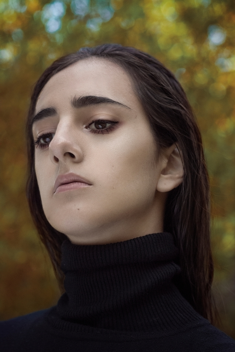 Sophie / insipide 2015 - portrait - thomassilvent | ello