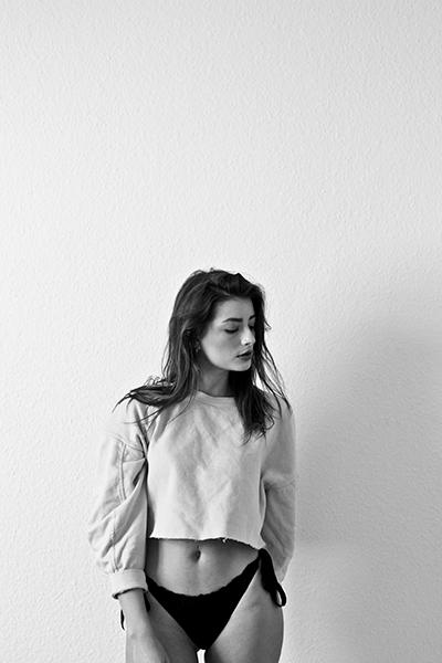 Moody / Michelle Senzig - Free  - k_f_k_o | ello