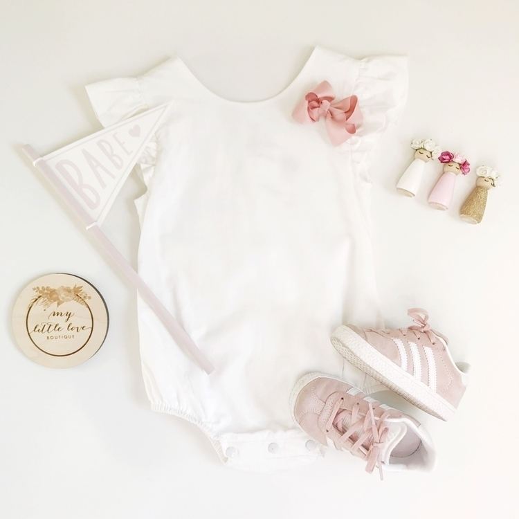 • pink + white perfect mini val - my__little__love | ello