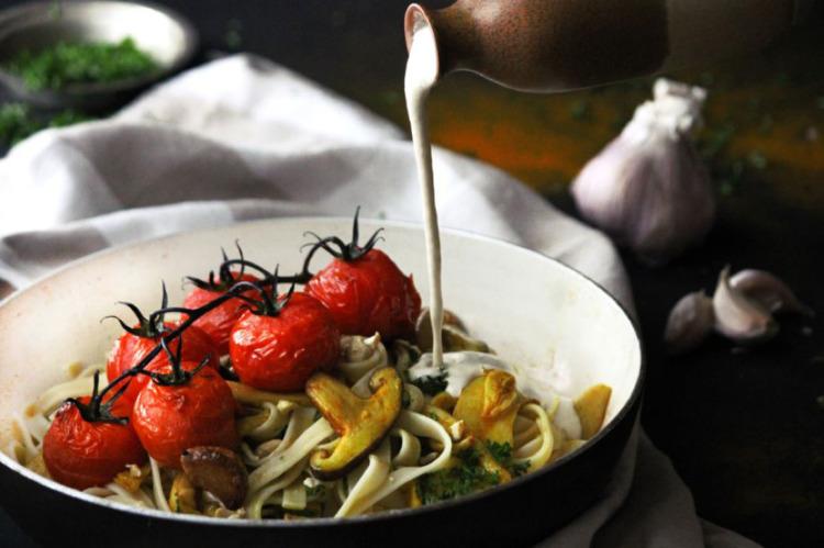Creamy Vegan Pasta - food photo - broodmethod   ello