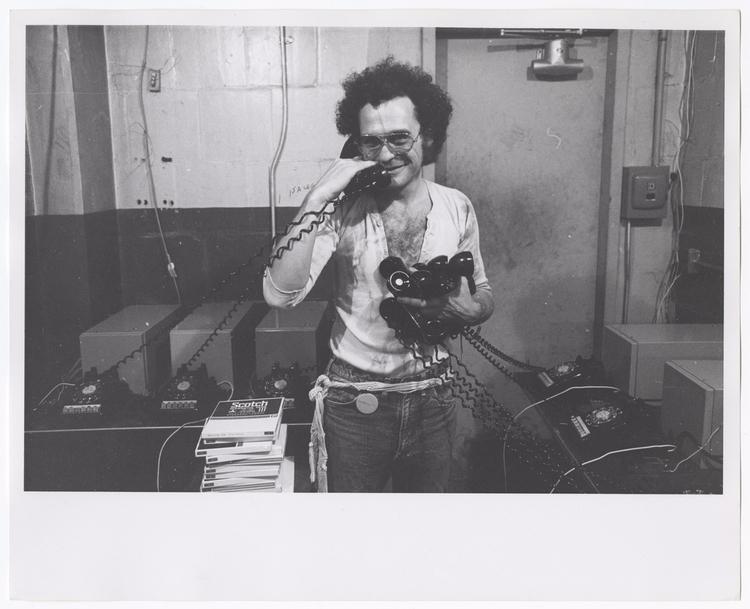 Loves Poet, Warhol Muse, Underg - valosalo | ello
