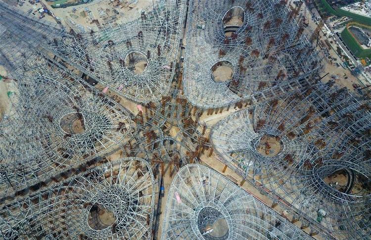 Structural Skeleton Zaha Hadid  - archdaily | ello