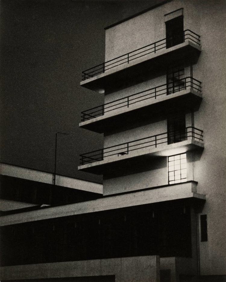 March 26, 1929. Photo: Lyonel - Bauhaus - bauhaus-movement | ello