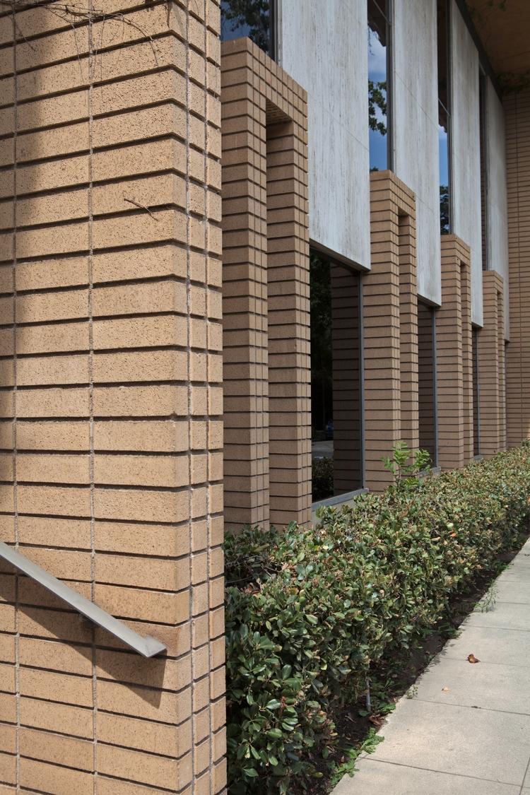 Office Building, Fourth St, Cla - odouglas   ello