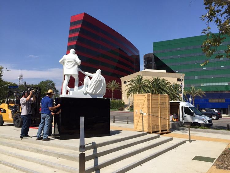 Public installation Los Angles - mauroperucchetti | ello