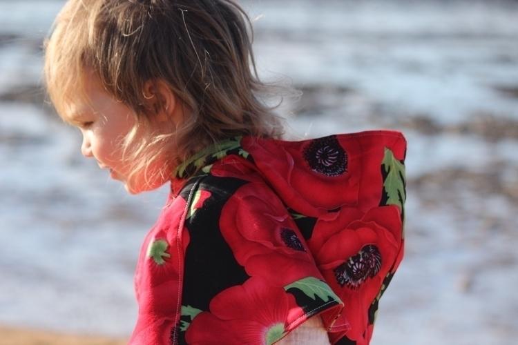 Gorgeous Poppy caplet. Photo cr - onceuponatimedaniela | ello