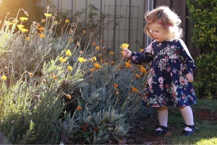 wildflower - maddieson_and_poppy | ello