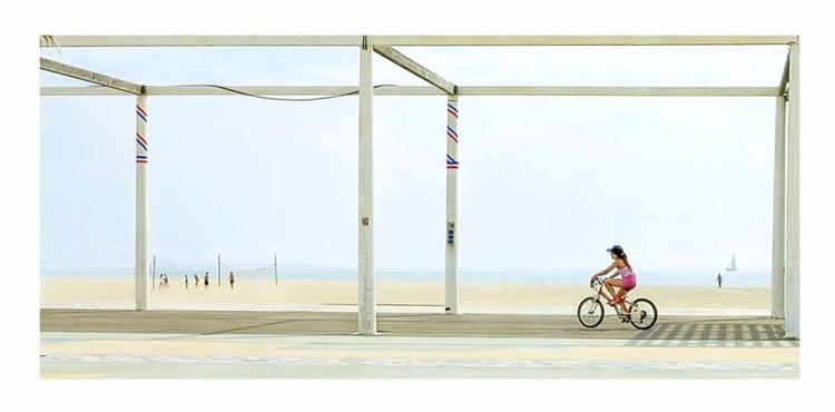 Florence Rovira, Front de mer - bintphotobooks | ello