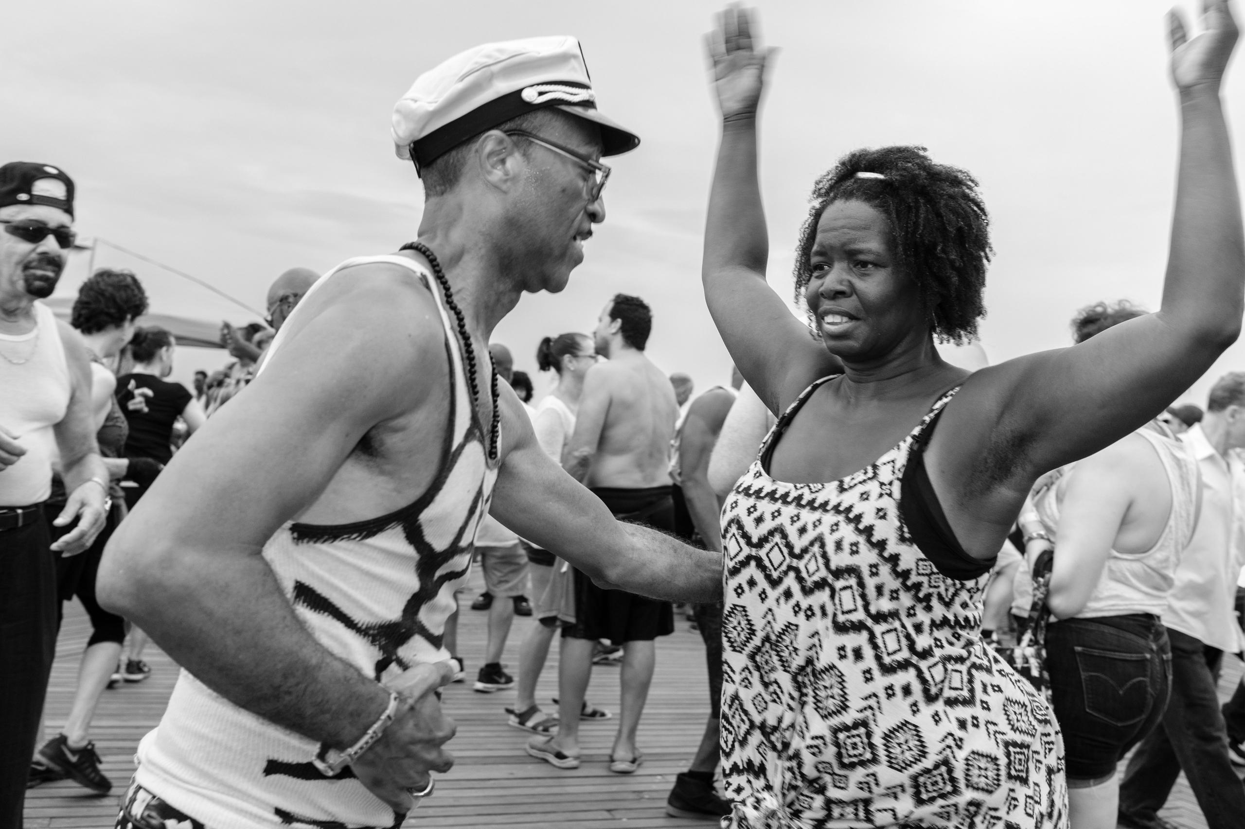 Captain Tennille Coney Island,  - giseleduprez | ello