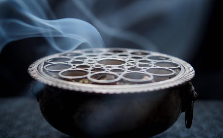 incense, burning, ritual, smoke - blackwyrt | ello
