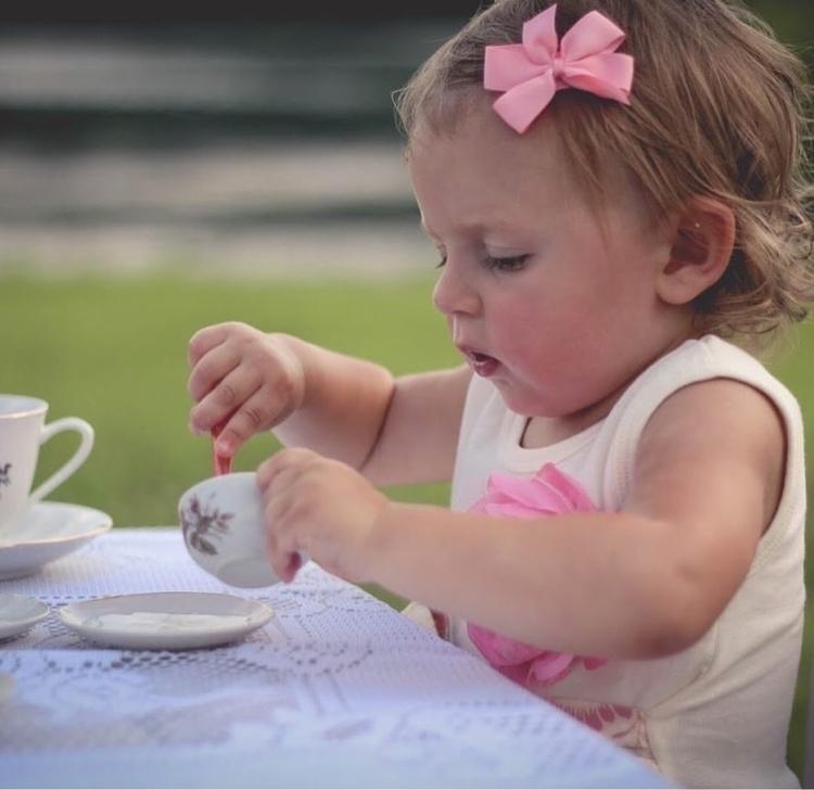 Gianna bow perfect tea time - calliclips | ello
