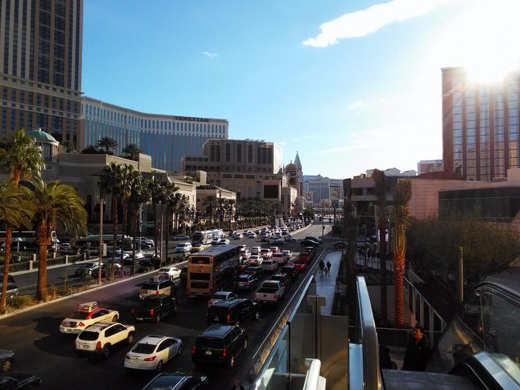 Vegas - markpain | ello