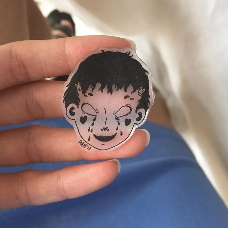 clear handmade pins making - diy - little_bat   ello