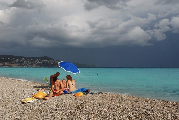 Promenade des Anglais, Nice - abigailgaritan | ello