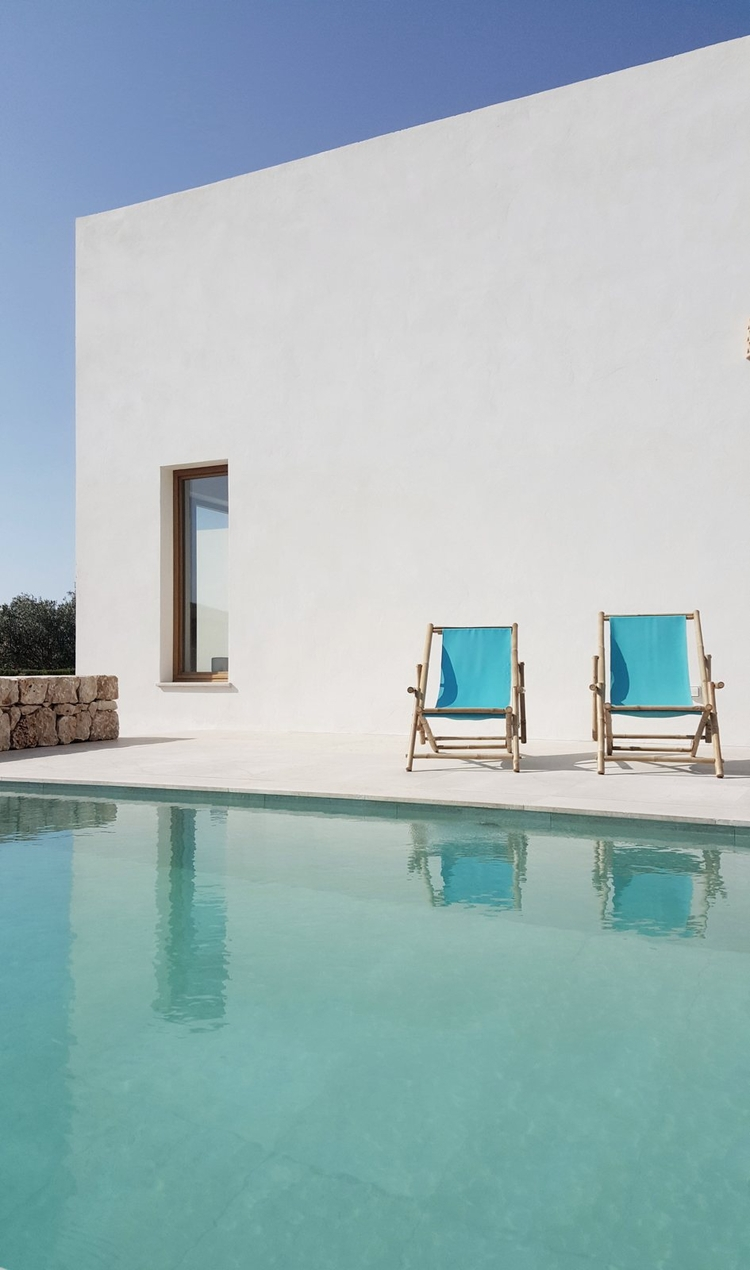 Mediterranean patio pool. PI Ho - upinteriors | ello