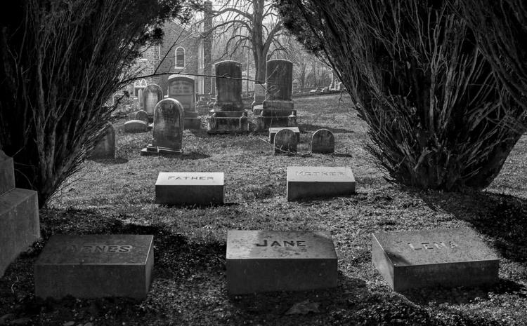 family stays ... small cemetery - docdenny   ello
