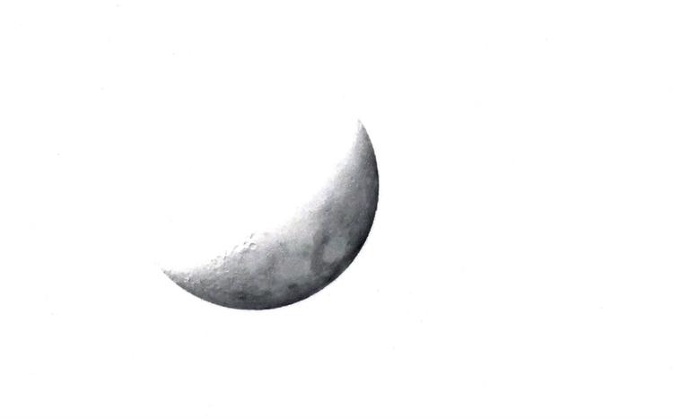 Inverted moon - ellominimal - norvember | ello