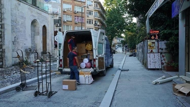 Delivering stock local markets  - mcpb | ello