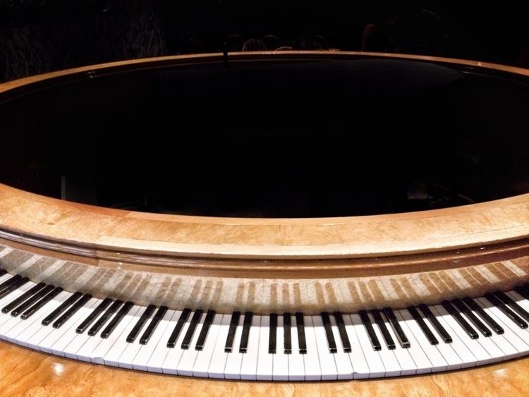 event horizon piano bar. bar |  - photografia | ello