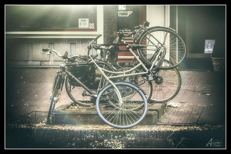 bike keys - artmen | ello