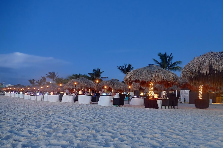 Eat Drink Aruba food scene caug - travelwithkat | ello