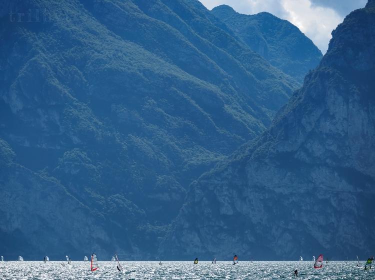 Wind surfers Lake Garda, Italy - trilbyt | ello