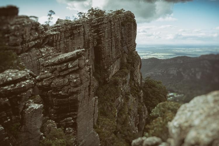 Stacks skirting ridge descendin - garylight   ello