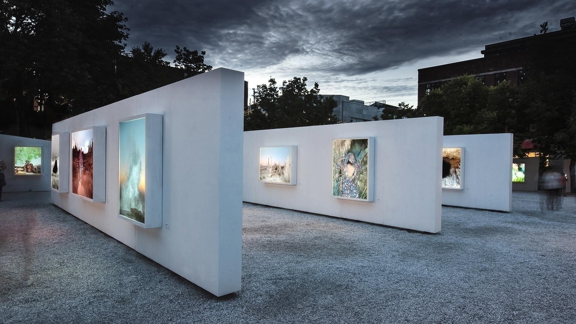 glad present Galerie Blanc. ope - alexandreberthiaume | ello