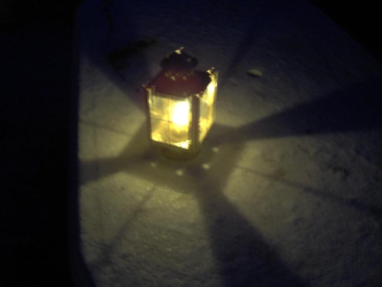 loved lanterns. unused stills V - visioneternel | ello