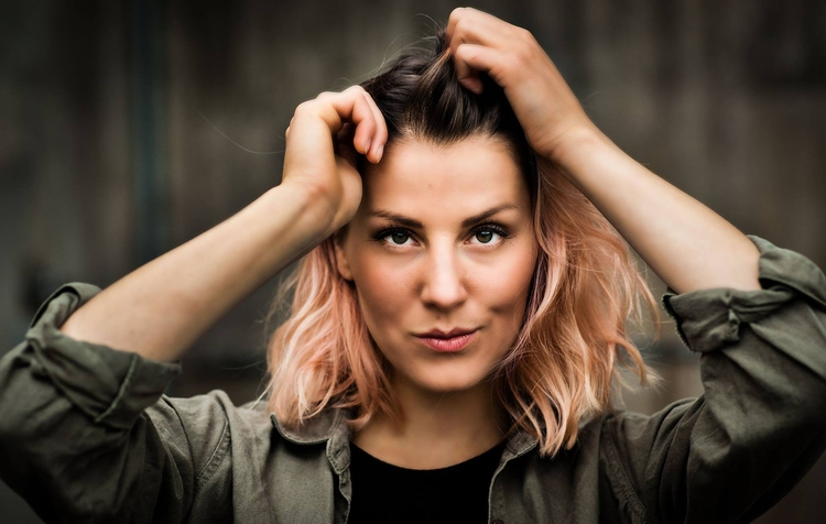 Maria Gertsjak - singer, singersongwriter - leponiemi | ello
