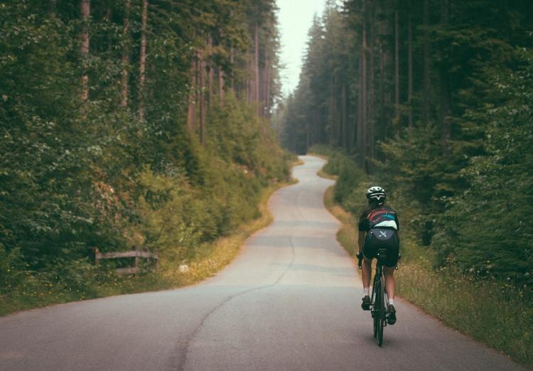 Long weekends quiet roads - ridegradient   ello