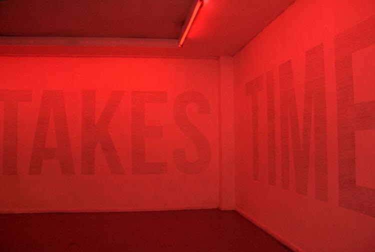 TAKES TIME Graphite wall red li - andresmontes | ello