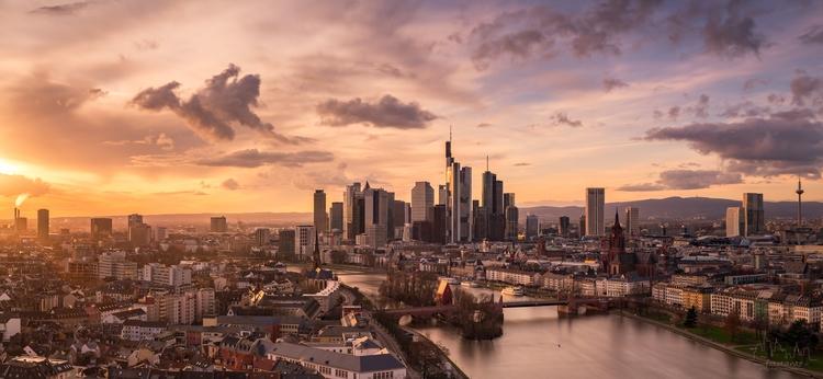 Panoramic image Frankfurt love  - fototante   ello