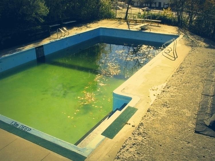 Lazy - photo, swimmingpool, liquid - dispel | ello