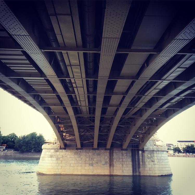 Margaret bridge river Donau Bud - stigergutt | ello