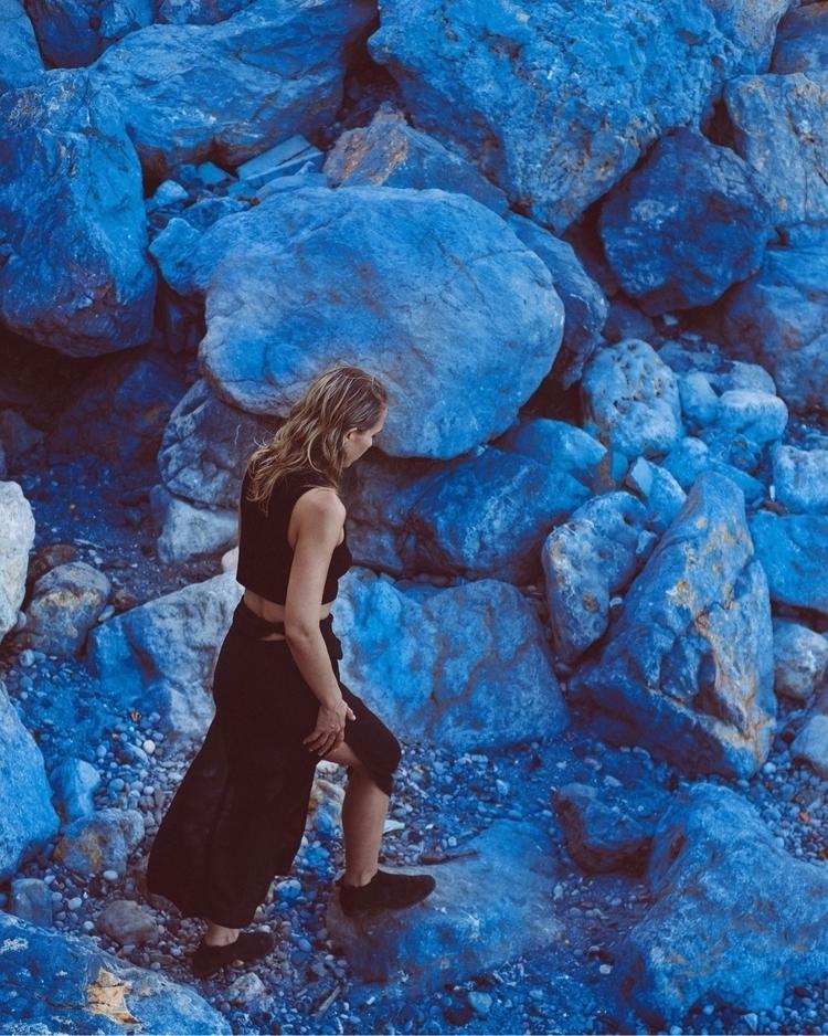 Blue planet!!! Portrait talente - adinailie | ello