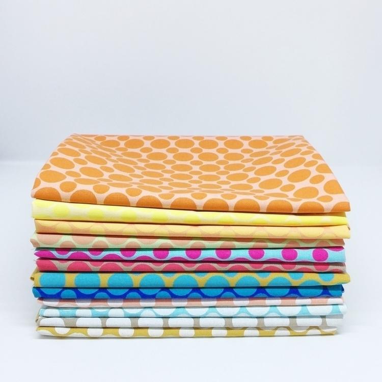 handprintedfabric, elloquilt - skinnymalinkyquilts   ello