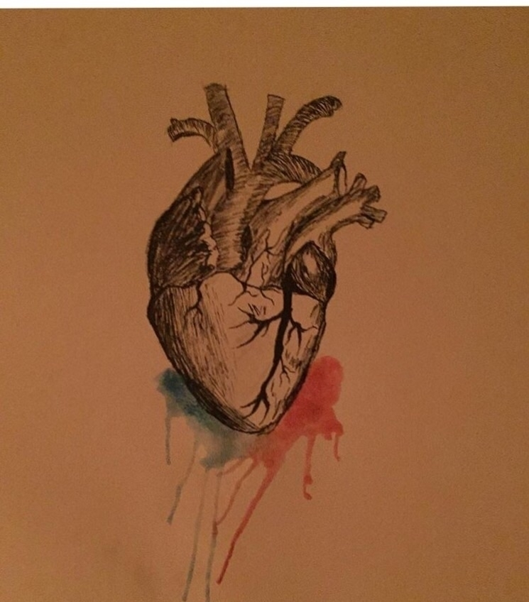 Bad lighting heart (bad pun - savanahsuniverse | ello