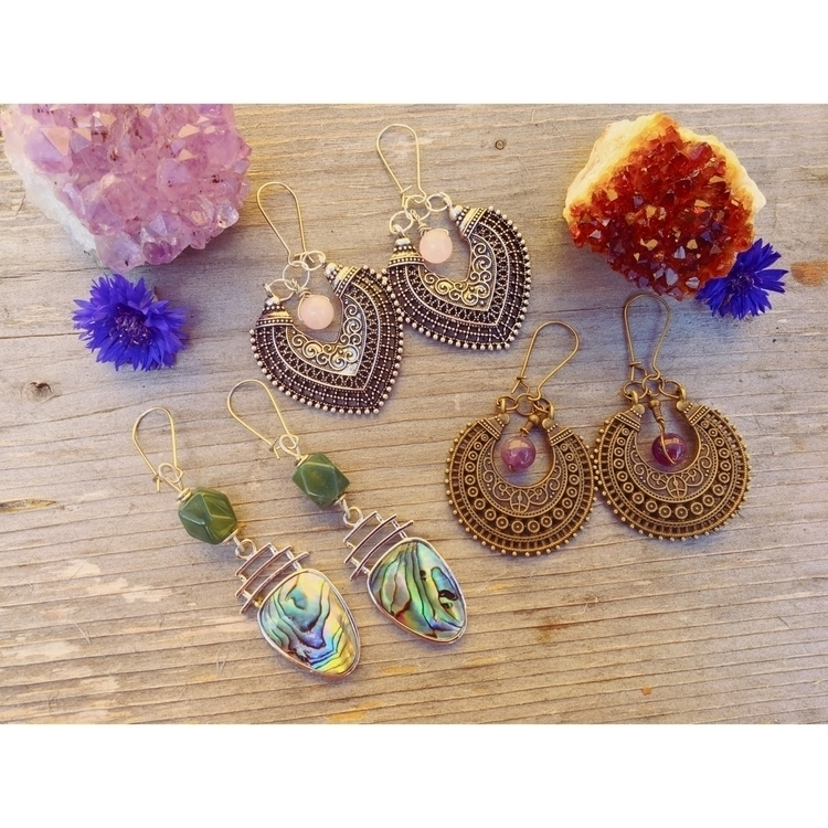 Beautiful earrings listed shop - ponyopow | ello