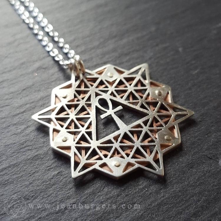 Ankh 64 Tetrahedron Grid - hand - jeanburgersjewellery | ello