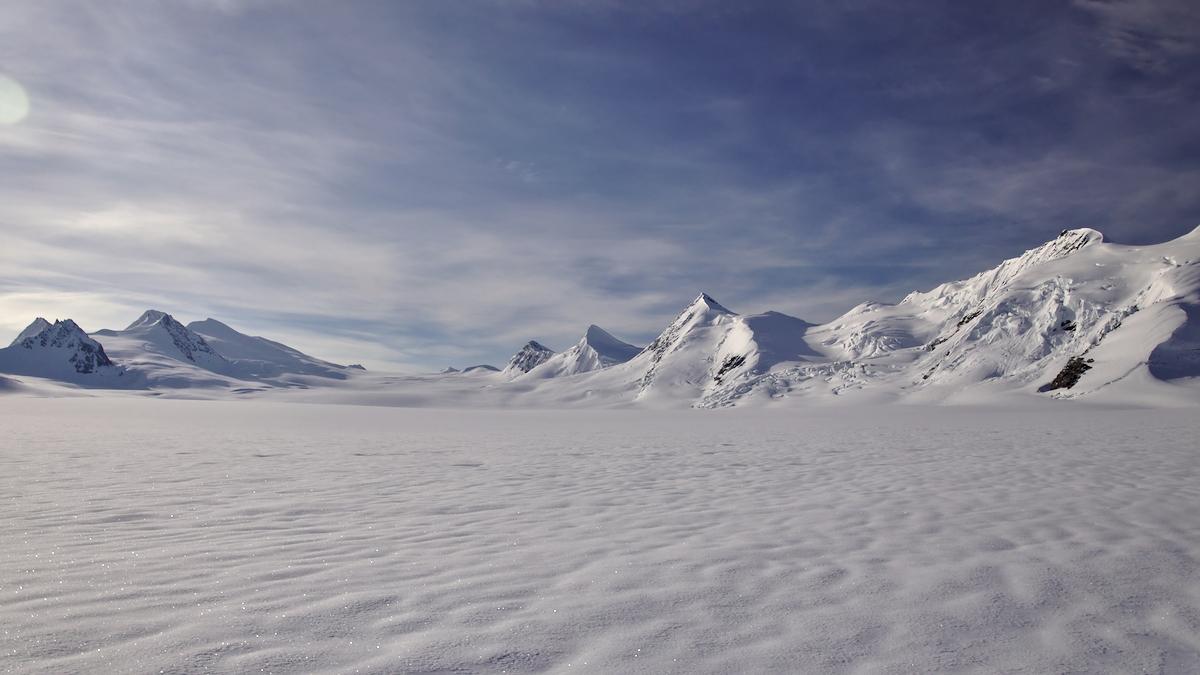 Trinity Basin Alaska Range - lwpetersen | ello