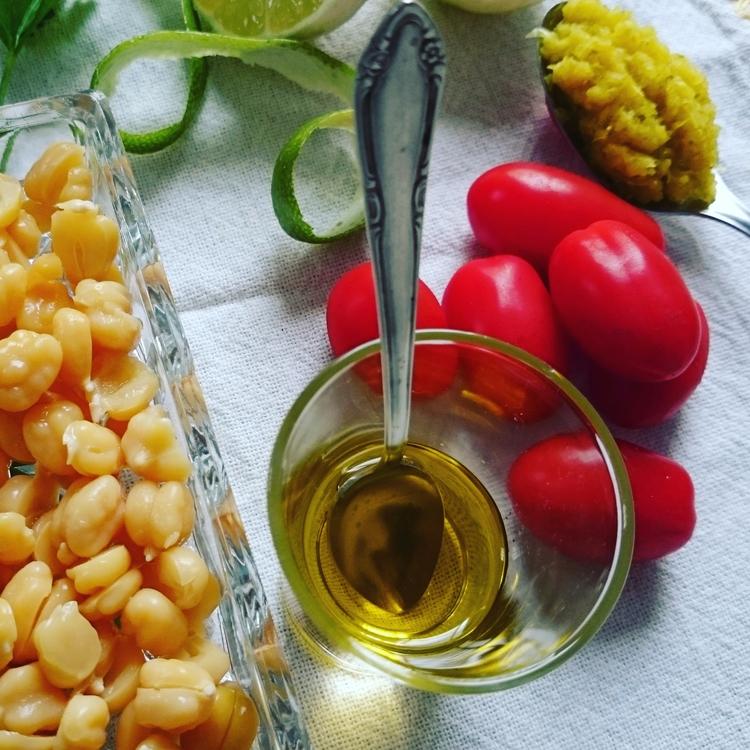 Pois-chiches, tomates olives hu - c4f3mineraux | ello