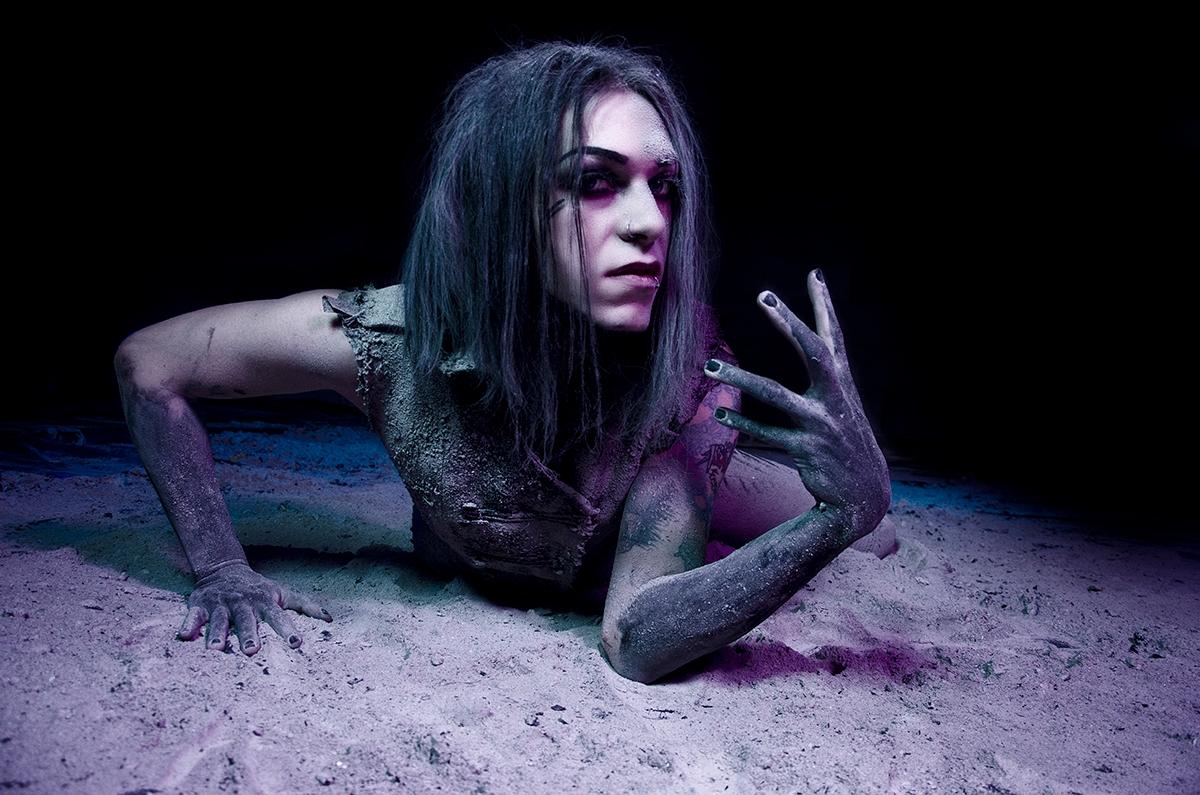 Photographer:Misty Sprouse Mod - darkbeautymag | ello