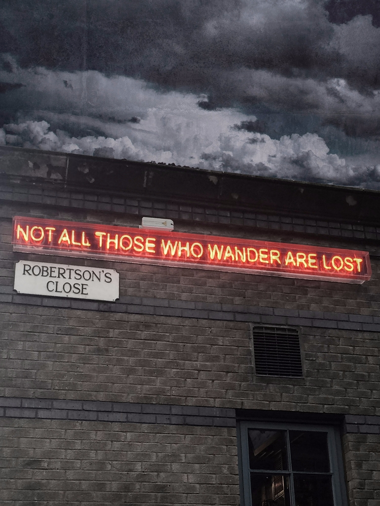 wander lost, Edinburgh, Scotlan - jubsie | ello
